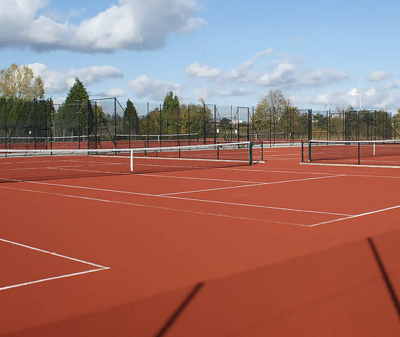 tennis advantage red court 4