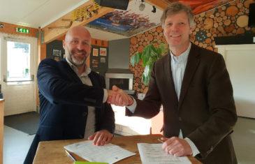 LMHC Laren and Edel Grass renew long lasting partnership